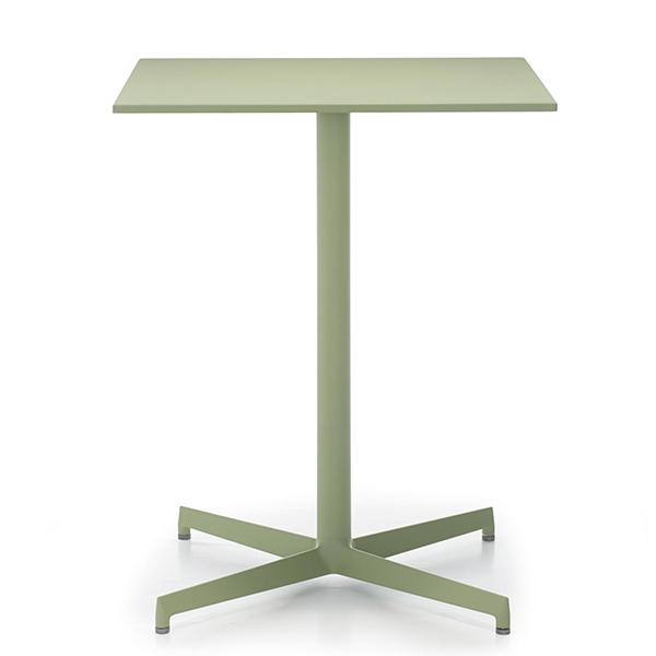 Billede af firkantet cafebord i grøn. 60 x 60 cm med stålplade.