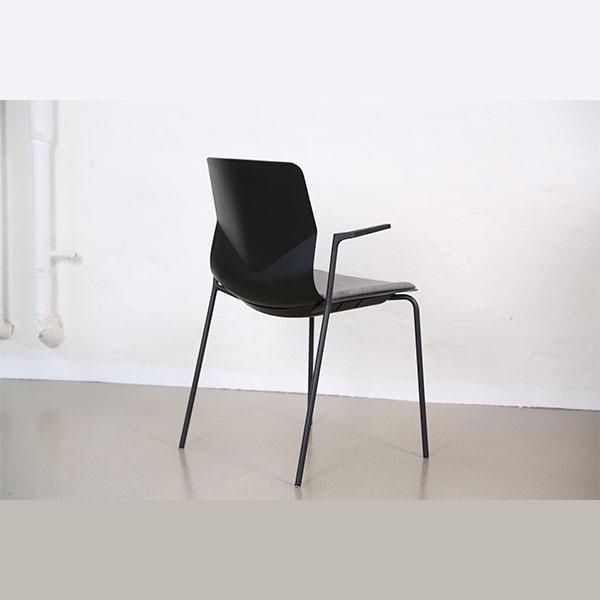 Billede af Elevstol med arm