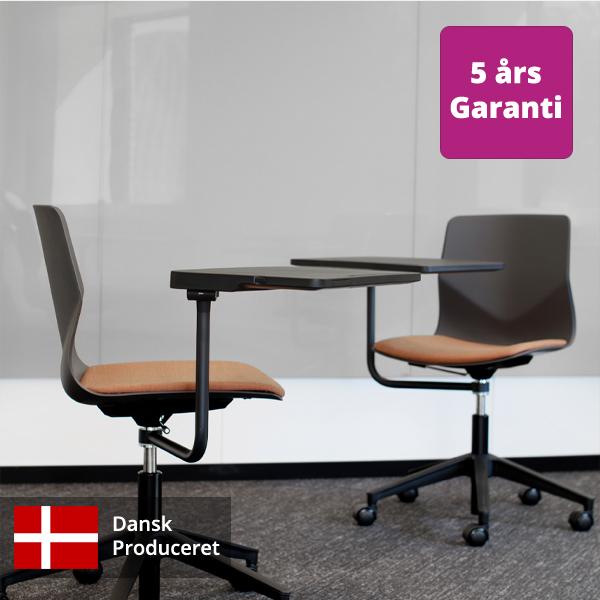 Billede af Elevstol med svingbar skriveplade og med polstret sæde
