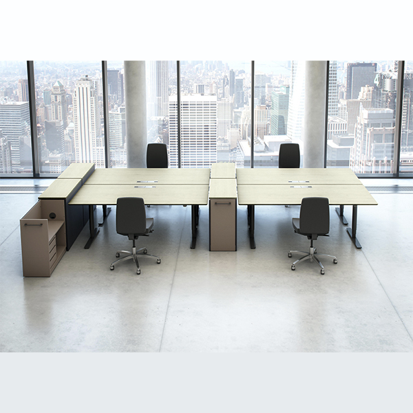 Hæve/sænkebord, her vist i ege finer, leveres i stort set alle overflader og alle mål. Bordet fungerer med den viste form og tilhørende skabe med sideudtræk, fremragende i større opstillinger.