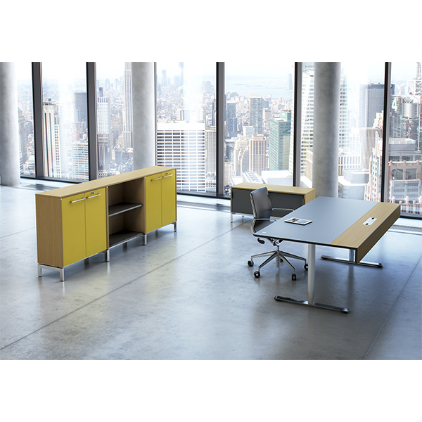 Hæve sænke bord med frontpanel i Eg finer. flot design med integreret frontpanel.