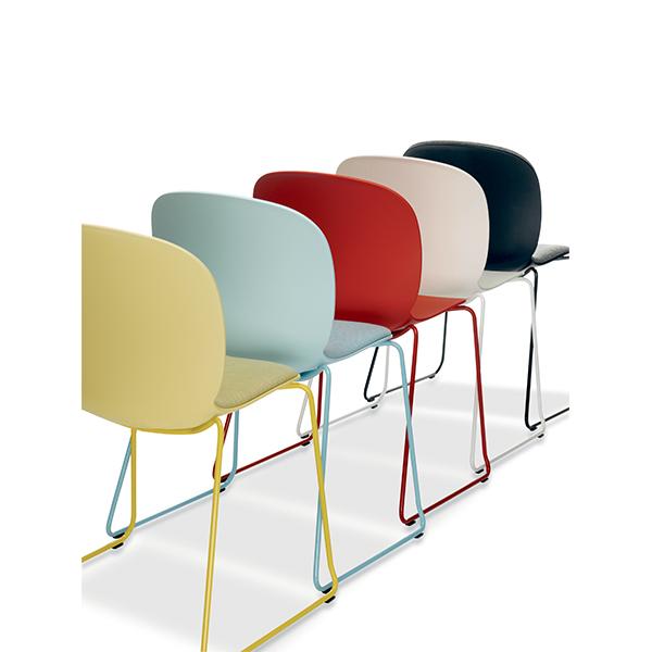 Billede af Kantinestol i farver