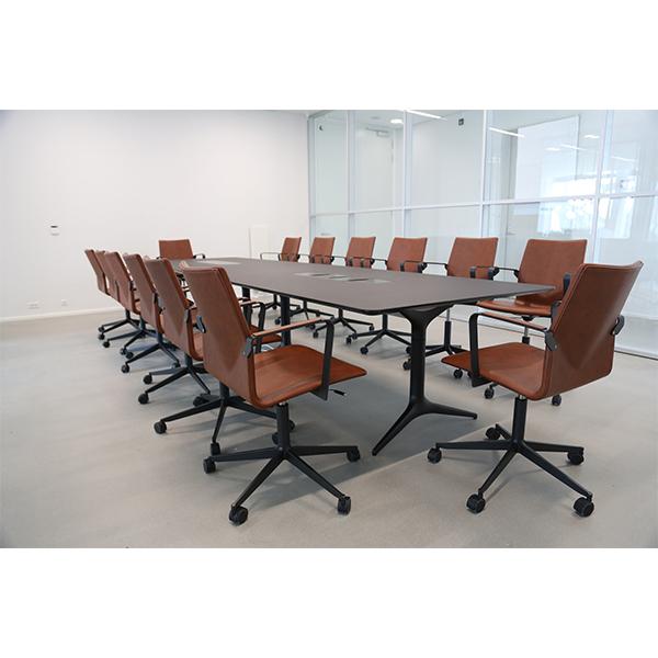Billede af langt mødebord 1