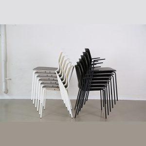 Mødestol med arm stabelbar