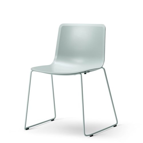 Kantinestol stabelbar PATO 4100 Green, Fredericia Furniture
