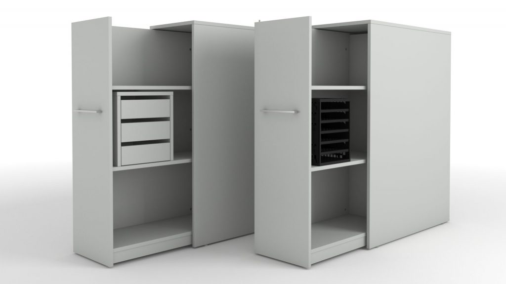 Billede af Hvidt udtræksskab i god solid kvalitet. Her vist med enten skuffeboks med 3 skuffer, eller plastindsats til A4 med 6 rum.