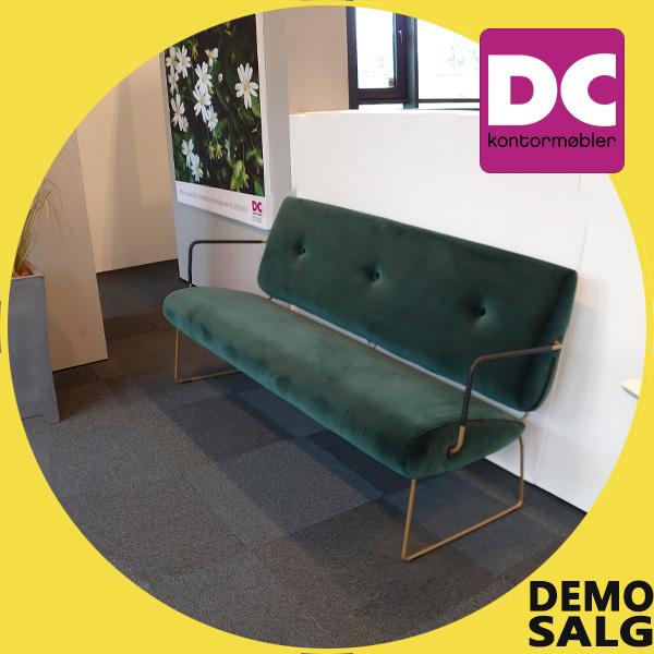 Billede af mørkegrøn sofa