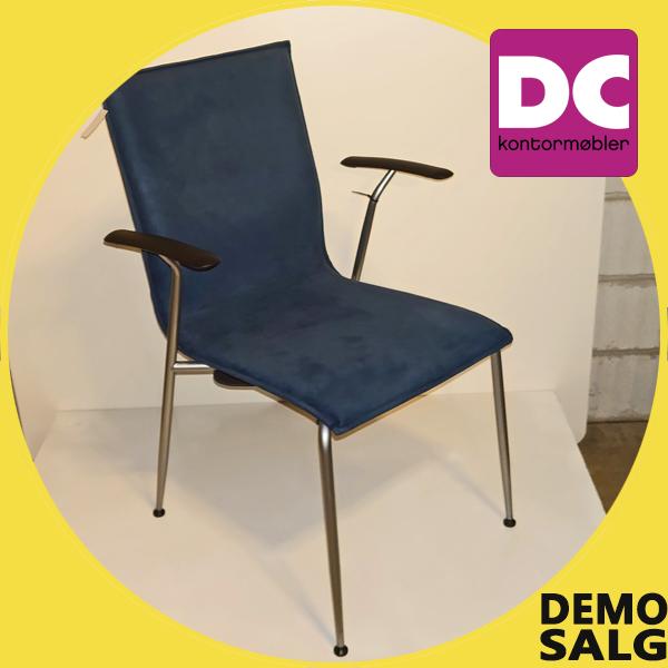 Billede af 2 stk. fuldpolstrede stole